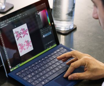 A designer using the surface pro 3